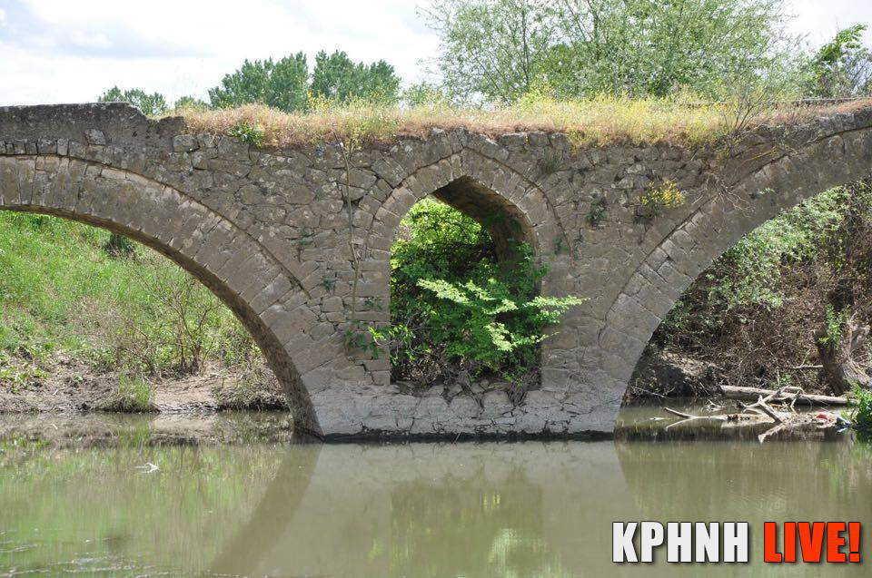 Εικόνα 8 Το οξυκόρυφο δευτερεύον τόξο στο γεφύρι στο Κεραμίδι