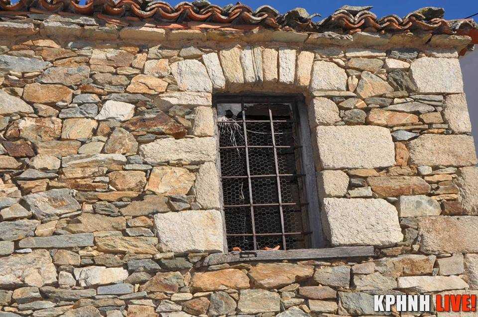 Εικόνα 11 Ανακουφιστικό τόξο σε τοιχοποιία κατοικίας στο Διάσελλο