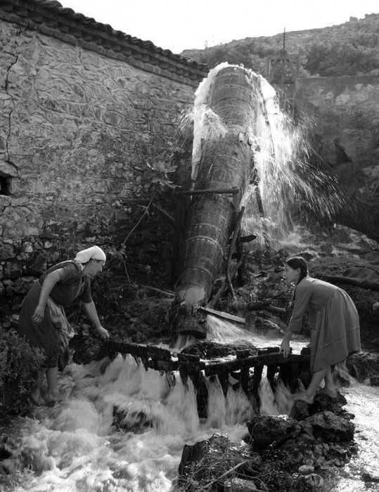 Στον Αγιόκαμπο Λάρισας,1950.