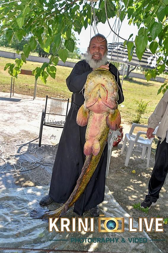 DSC5871 - Ψάρι 35 κιλών «έβγαλε» Ιερέας στον Πηνειό ποταμό